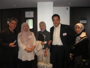 マレーシアの皆さんとカンファレンスでの撮影
